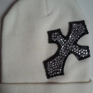 Off White Embellished Winter Beanie
